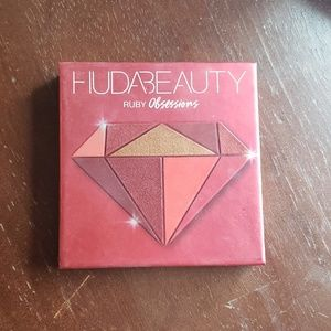 Huda Beauty Ruby Obsessions